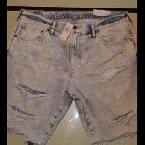 BRAND NEW NEVER WORN * AMERICAN EAGLE DISTRESSED